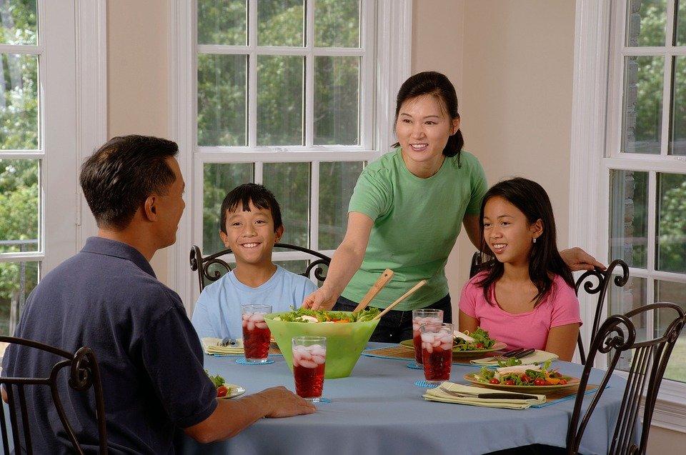 Manger à table